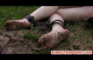 Video från den stulna telefonen, en flicka i sin trädgård i ett sexfilm lesbisk privat hem suga och knulla med en snögubbe