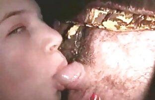 Efter klubben tar han en full tjej i ett arabisk porrfilm mörkt hörn