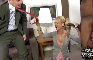 Blondinen i kostym av Captain Marvel testar Sexleksaker mamma sexfilm